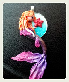 Handmade polymer clay mermaid kawaii pendant - pendente sirena in fimo viola e rosa di LisaBetsyLovecraft su Etsy
