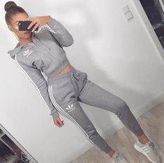 adidas outfit – Casual And Fashionable Sports Outfits You Would Obsessed With; Teenage Outfits, Chill Outfits, Cute Casual Outfits, Stylish Outfits, Summer Outfits, Summer Dresses, Girly Outfits, Stylish Girl, Winter Outfits