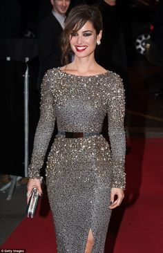 I *love* the beading on this dress. This would be a perfect gown for a Fairy Godmother to conjure for me. ;) lol!