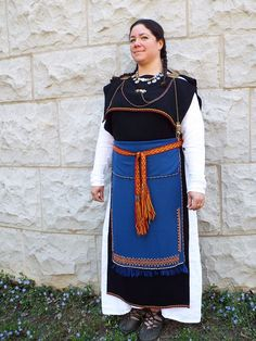 My completed Century Finnish Iron age Spiral Apron. Historical Women, Historical Clothing, European Clothing, Historical Photos, Viking Garb, Viking Dress, Iron Age, Asian History, British History