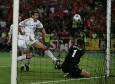 Jerzy Dudek making that incredible save.