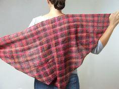 Handwoven triangle scarf . Triangle shawls. by HandweavingbyMima