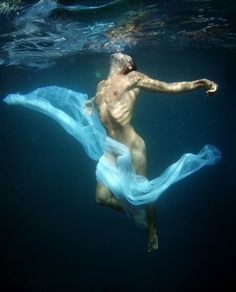 Men nude underwater
