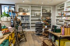 Have you ever dreamed of an Anthropologie store that goes on forever? Well, hold onto your hat, because it's here. Alright, forever might be a bit of hyperbole, but it's not far from the truth. At a whopping 25,000-plus square feet, our newly expanded Portland, Oregon store features, among many other things, 12 full-scale living, dining and …