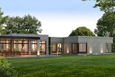 Estudio NF y Asociados House Roof Design, Flat Roof House, Facade House, Modern House Facades, Modern Bungalow House, Modern Architecture House, House Construction Plan, Modern Villa Design, Dream House Exterior