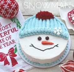 Everyone loves a white Christmas and this adorable snowman cake is sure to bring smiles! Everyone loves a white Christmas and this adorable snowman cake is sure to bring smiles! Christmas Cupcakes Decoration, Christmas Cake Designs, Christmas Sweets, Christmas Cooking, White Christmas, Christmas Themed Cake, Christmas Snowman, Chocolate Christmas Cake, Christmas Ideas