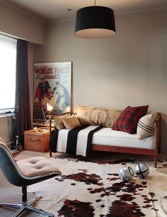 BOY ROOM Plaid pillows + other inspiring tartan interiors Room Inspiration, Interior Inspiration, Design Inspiration, Deco Kids, New Room, Decoration, Dorm Room, Kids Bedroom, Sweet Home