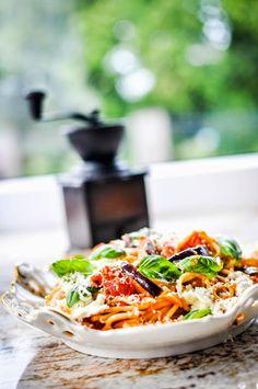 Pyszne Kadry: Spaghetti z bakłażanem i ricottą (Pasta alla norma)