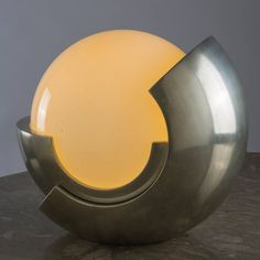 """Remarkable """"Roto"""" Table Lamp by Benevelli for Missaglia image 3"""