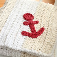 Easy Nautical Baby Blanket (Free Crochet Pattern)