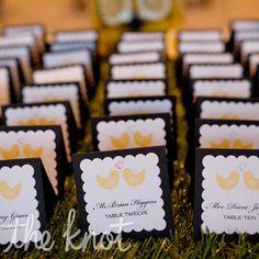 love bird escort cards with grass table Love Birds Wedding, Yellow Wedding, Dream Wedding, Wedding Place Cards, Wedding Paper, Wedding Stuff, Wedding Trends, Wedding Ideas, Wedding Inspiration