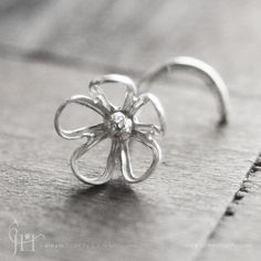 i so want this nose ring!