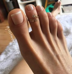 i like toe rings!