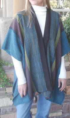 ruana and other clothing designs by Judith Shangold Weaving Designs, Weaving Patterns, Knitting Designs, Weaving Loom Diy, Hand Weaving, Sewing Clothes, Diy Clothes, Poncho Shawl, Outfits