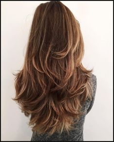 12 Fun and Stylish Long Haircuts for Long Layered Hair 💇 homedecor home holiday diy decor dresses desserts winter fashion women makeup trendy christmas hairstyles hair haare frisuren 💇 Long Shag Haircut, Haircut For Thick Hair, Long Haircut Styles, Messy Haircut, Waves Haircut, Haircut Bob, Haircut For Chubby Face, Haircut Styles For Women, Pretty Hairstyles
