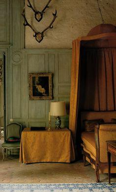 The Duchess's bedroom at Chateaux de La Celle des Bordes. The World of Interiors, April 2003.