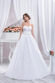 "Wedding dress by Belleza e Lusso. Collection ""Piano"" / Свадебное платье от Belleza e Lusso. Betta, Sunnies, Evening Dresses, Wedding Dresses, Piano, Collection, Design, Random, Fashion"