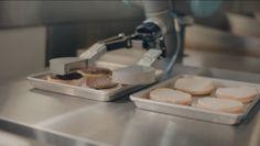 Voici Flippy, le nouveau robot-cuistot d'une chaîne de fastfood américaine