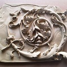 Wood Carving Designs, Clock Decor, Whittling, Wood Art, Baroque, Wood Crafts, Hand Carved, Projects To Try, Woodworking
