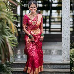 South Indian Wedding Saree, Indian Bridal Sarees, Bridal Silk Saree, Indian Bridal Outfits, Indian Bridal Fashion, South Indian Bride, India Wedding, Wedding Sarees, Silk Sarees