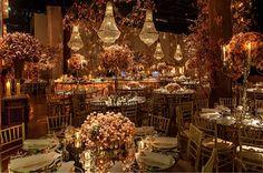 Patricia e Gustavo tiveram um lindo casamento com festa na Casa Fasano, orquestrado por Vivi Farah! A história dos noivos é engraçada. Gustavo é joalheiro