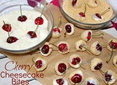 Cherry Cheesecake Bites 1 block of Philadelphia Cream Cheese 1 cup powdered sugar jar of or fresh cherries 1 box of Graham crackers Blend. Köstliche Desserts, Delicious Desserts, Dessert Recipes, Yummy Food, Fun Food, Healthy Food, Quick Dessert, Awesome Desserts, Healthy Eating