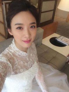 이청아, 신부 화장+웨딩드레스까지…'신부준비 끝' :: 네이버 TV연예