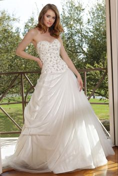 Style 50135 » Wedding Gowns » DaVinci Bridal » Available Colours : Ivory, White