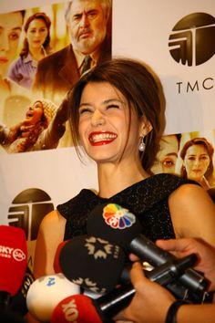 "Beren Saat - ""Benim Dünyam"" Movie Premiere [Turkey] ( 22 October 2013)"