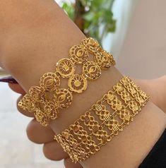 Gold Chain Design, Gold Bangles Design, Hand Jewelry, Jewelry Rings, Gold Bangle Bracelet, Bracelets, Gold Jewelry Simple, Dubai Gold Jewelry, Jewels