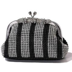 Almabella is a China manufacturer of fashion evening bags:http://www.almabella.cn,more perfect design,thanks.