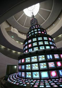 Nam June Paik's /// The More The Better /// At the National Museum of Contemporary Art, South Korea Nam June Paik, Fluxus, Video Installation, Video Artist, Museum Of Contemporary Art, National Museum, Medium Art, American Artists, Three Dimensional