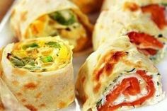 20 toppings to roll out pita bread ~ Food Network Recipes Avocado Recipes, Lunch Recipes, Easy Dinner Recipes, Seafood Recipes, Low Carb Recipes, Cooking Recipes, Easy Stuffed Peppers, Homemade Rolls, Good Food
