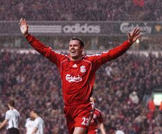Legendary Jamie Carragher will leave Liverpool FC at the end of 2012-13 season. Obviously he won't walk alone #lfc #soccer