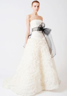 Amazing Vera Wang Sample Sale ing up in London london bridalsale fashion diary event faves Pinterest Designer gowns and Gowns