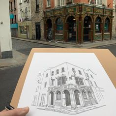 Normally the streets of Temple Bar would be thronged with tourists so it's nice to be able to draw on the street without being run over 😁 to colour or not to colour, that is the question? 🤔 . . . . . #drawing #arch #instaart #sketchwalker #펜드로잉 #sketchbook #artwork #pendrawing #urbansketcher #sketching #urbansketching #sketch #sketches #draw #architecture #usk #어반스케치 #urbansketchers #croquis #archisketcher #dailysketch #irishpub #irishpubs #templebar