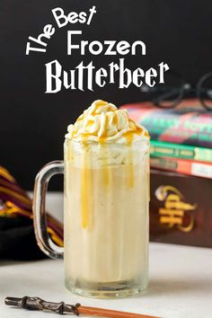 Copycat Harry Potter Frozen Butterbeer just like from Universal Studios Wizarding World of Harry Potter! Frozen Butterbeer, Butterbeer Recipe, Harry Potter Desserts, Harry Potter Food, Sangria Recipes, Tea Recipes, Yummy Drinks, Fun Drinks, Cold Drinks