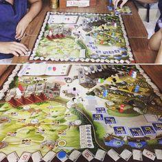 Jogando #village #fireonboard novidade que acabou de chegar na #DeliDaPersy #boardgame #jogacariri