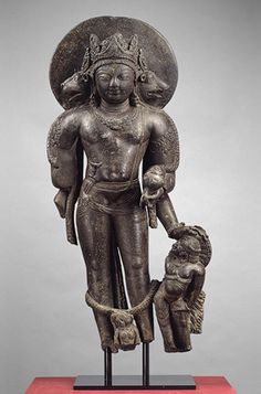 Vaikuntha Vishnu as Para Vasudeva-Narayana.father of Krsna, 8th C.  but in the Kashmir Pancharatna sect he is the central generative deity and the heads are manifest cosmic forces not avatars.