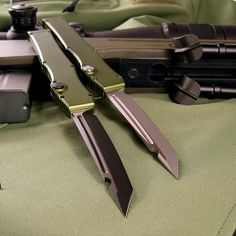 TAD Gear Edition Microtech HALO3 with OD Green anodized handles