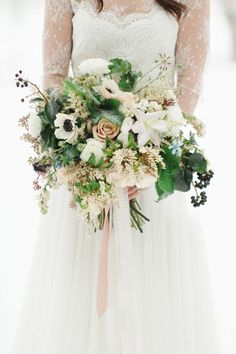 Snippets, Whisper and Ribbons – 5 of the Most Gorgeous Winter Bridal Bouquets