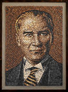 ra-yapi - Mozaik portre Mosaic Artwork, Mosaic Wall Art, Mirror Mosaic, Mosaic Glass, Mosaic Tiles, Glass Art, Stained Glass Designs, Mosaic Designs, Egg Shell Art