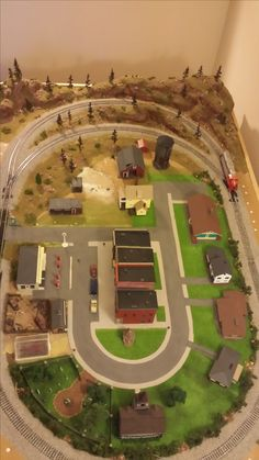 Whittemore HO Scale Train Table - Layout unfinished - June 2014