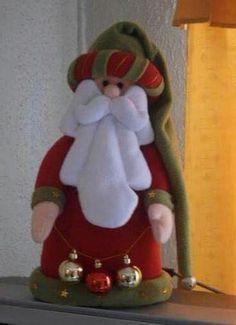 Pin by Teresa Zapata on navidad Elf Christmas Decorations, Easy Christmas Ornaments, Christmas Gnome, Felt Ornaments, Simple Christmas, Christmas Stockings, Xmas Crafts, Cute Crafts, Diy And Crafts