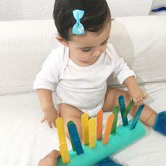Montessori Baby, Montessori Activities, Infant Activities, Kindergarten Activities, Child Development Activities, Fine Motor Activities For Kids, Sensory Games, Baby Sensory, Baby Gym