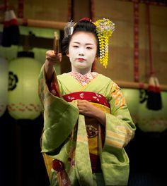 舞妓 maiko 市結 ichiyuu 先斗町 KYOTO JAPAN