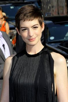 02 / 13 Anne Hathaway Hathaway shaved her head for her role as dying prostitute Fantine in Les Misérables in 2012. Rather than covering it with a wig, however, she grew it into a short crop for her many subsequent red carpet appearances.-pin it by carden