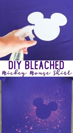 DIY Bleached Mickey Mouse Shirt LOVE THESE MICKEY MOUSE TSHIRTS! These Mickey Mouse shirts were so easy to make. Skip the overpriced shirts on your Disney vacation & make your own before you leave. This DIY Bleached Mickey Mouse shirt turned out great and Mickey Mouse Shirts, T Shirt Mickey, Mickey Mouse Crafts, Disney Shirts, Mickey Craft, Disney Vacation Shirts, Disney Diy Crafts, Fun Crafts, Diy And Crafts