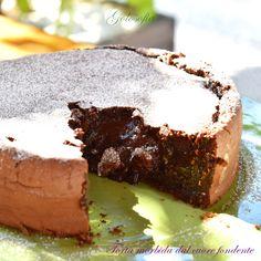 Torta morbida dal cuore fondente, un'esplosione di cioccolato che conquisterà davvero tutti! semplicissima da preparare, è di una bontà unica.. imperdibile!