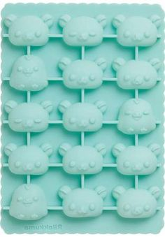 """""""Rilakkuma Silicon Ice Tray"""" Boil your water first then let it cool before pouring into ice tray for totally clear cubes. Kawaii"""